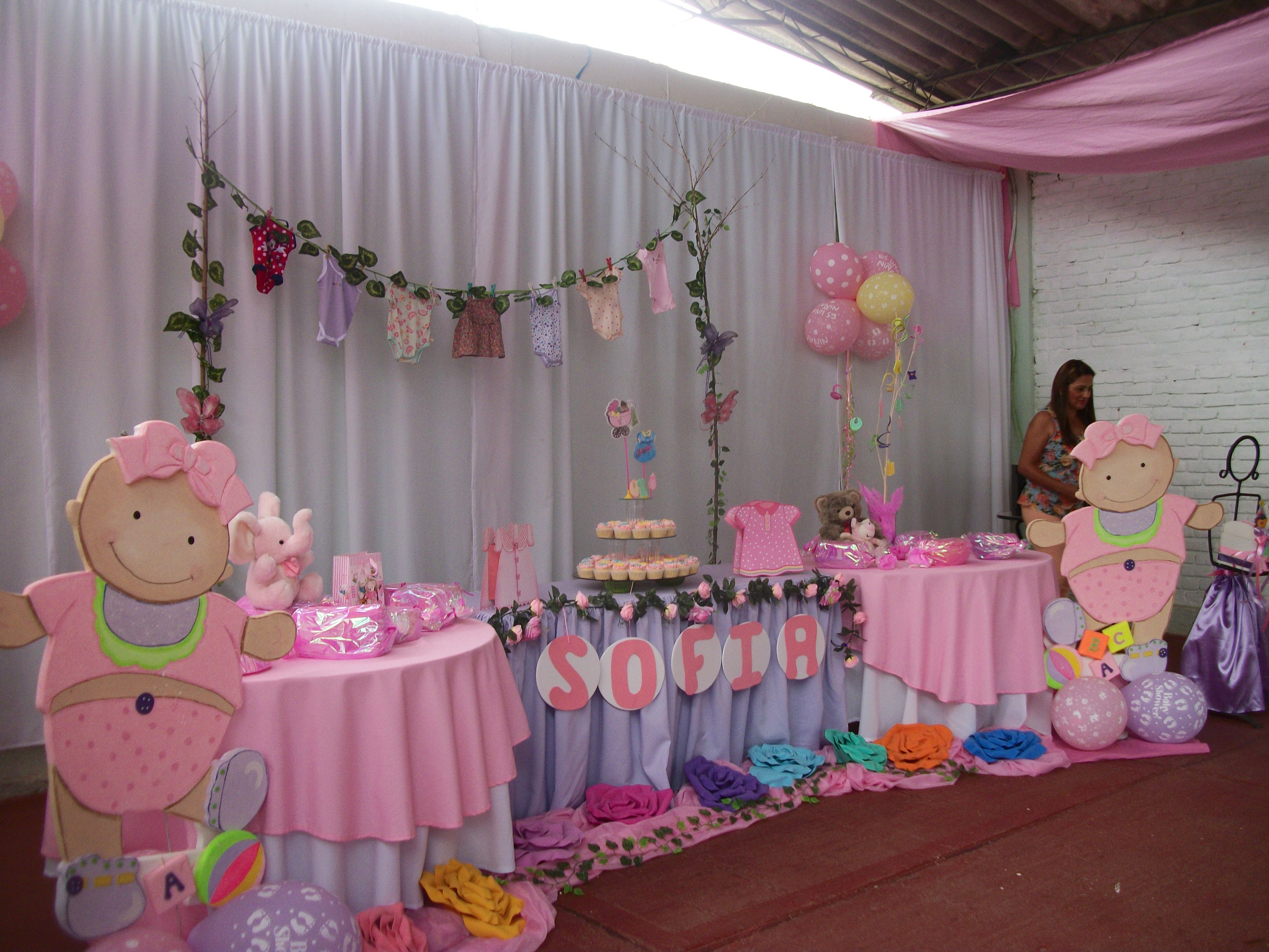 Mesa para bautizo ni a decoraci n de mesas para fiesta for Decoracion fiesta bautizo