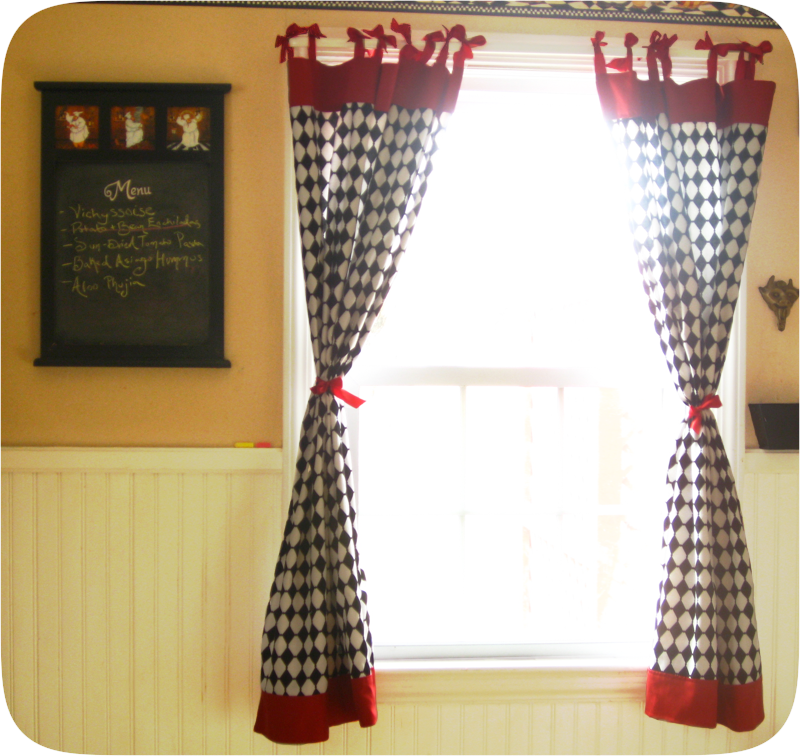 Free Tutorial For Retro Kitchen Curtains With Bows