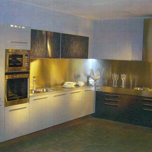 Finest cucina da mostra con piano di lavoro in okite e completa di lavello miscelatore with - Top cucina okite prezzo ...