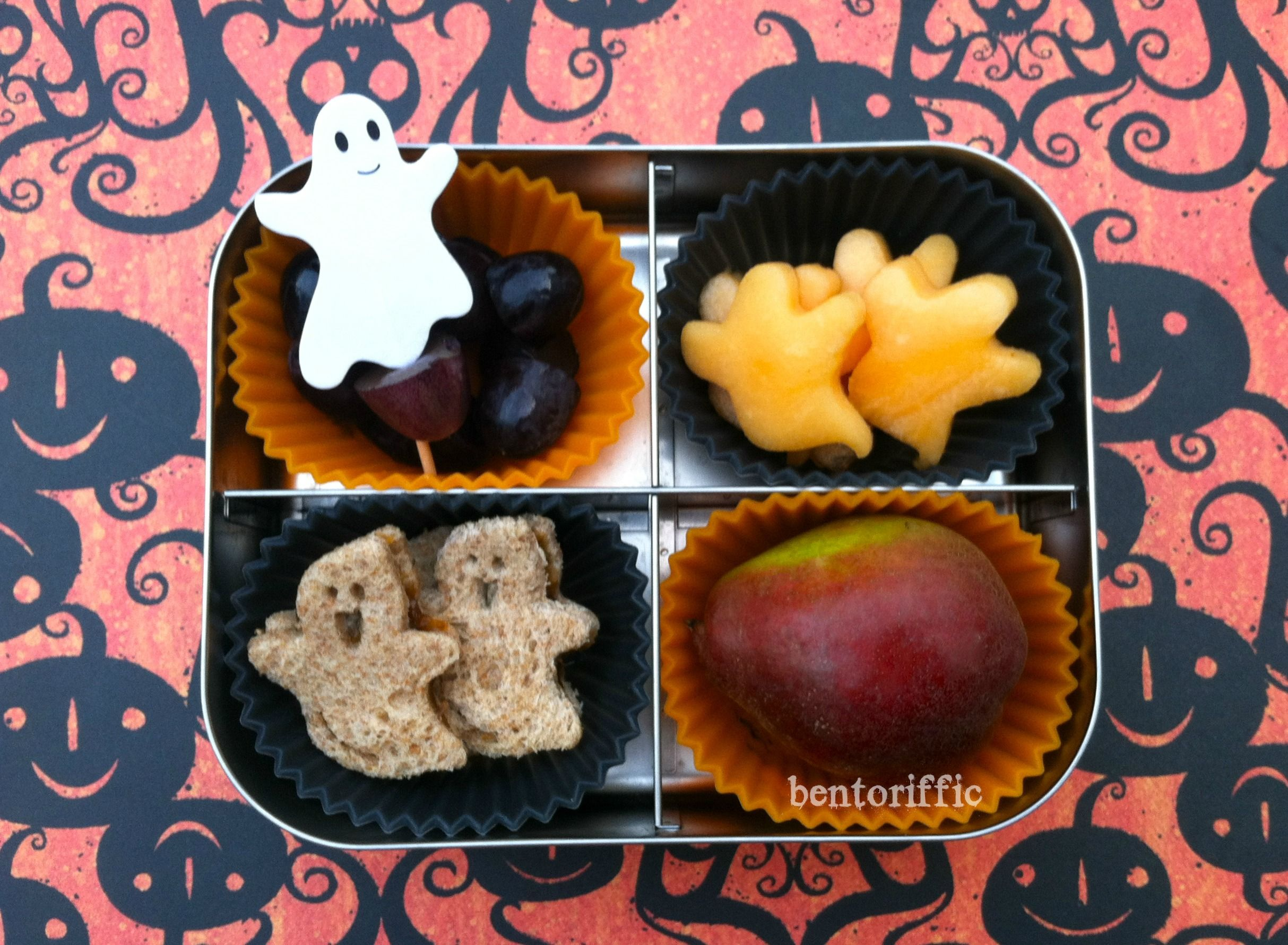 Happy ghost halloween lunch in lunchbots by bento bentoriffic plant happy ghost halloween lunch in lunchbots by bento bentoriffic plant based vegan lunchbox halloween ideashalloween partylunch forumfinder Gallery