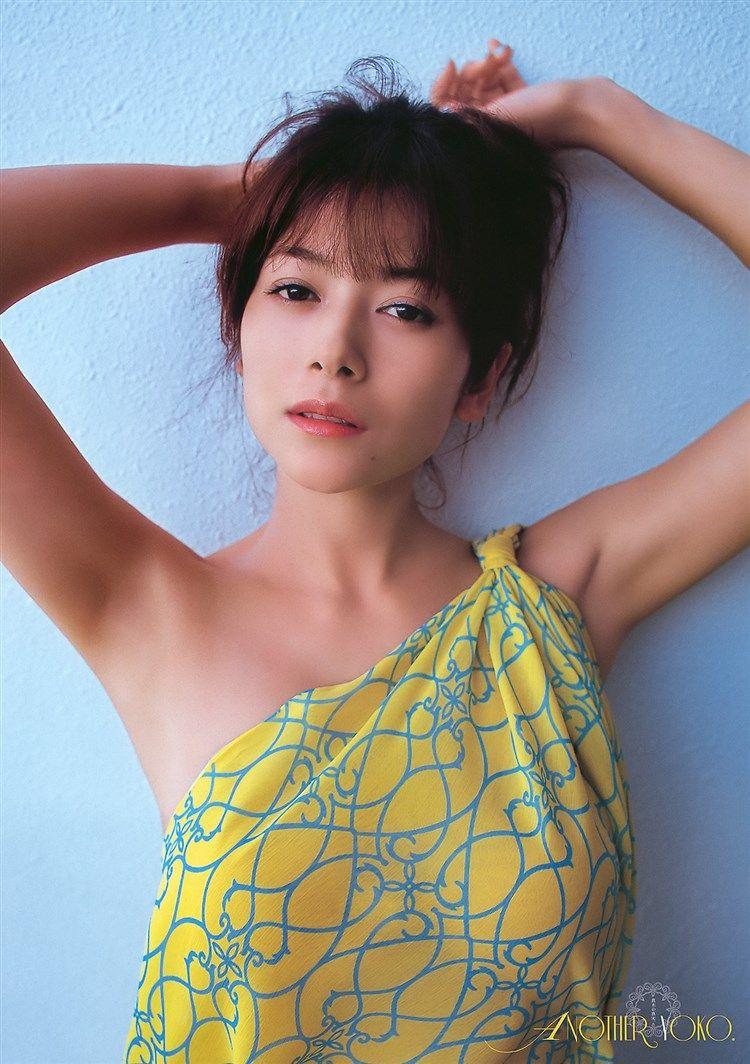 無料画像☆真木よう子の過激すぎるGカップポロリが大迫力で草www0007mizutama   女優, 真木よう子, 女の子