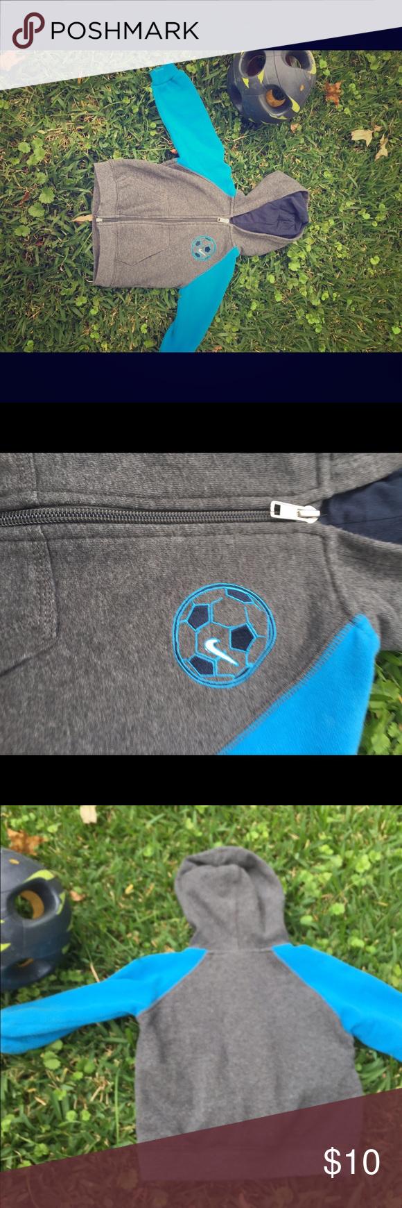Boys Nike hooded sweatshirt 18 months Cute Nike sweatshirt! In great condition! Sz 18 months Nike Shirts & Tops Sweatshirts & Hoodies