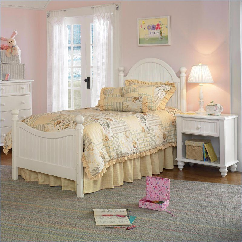 Hillsdale Westfield Wood Poster Bed 5 Piece Bedroom Set in Off-White
