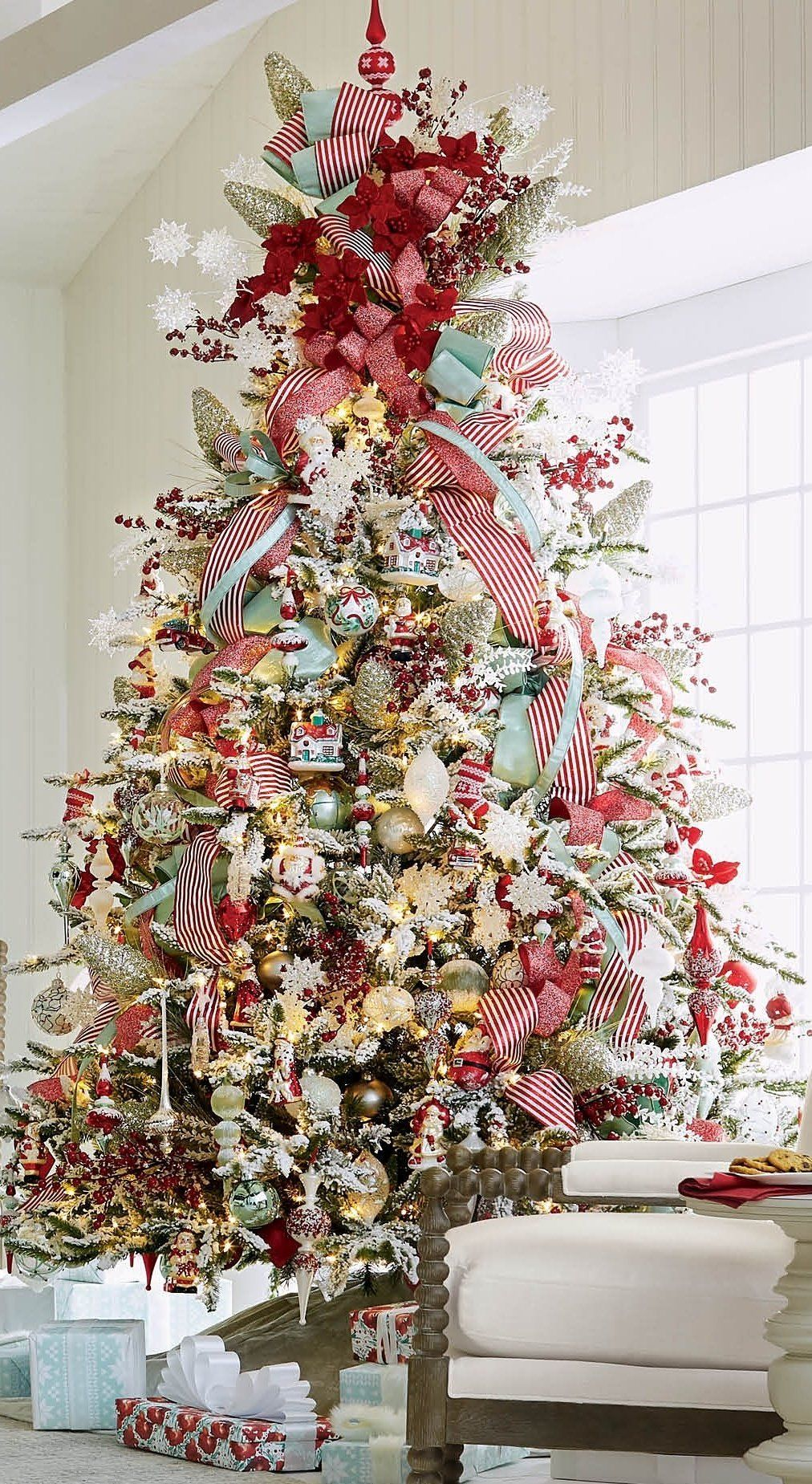 Frosted Holiday Snowflake Tree Topper Frontgate Elegant Christmas Trees Christmas Tree Themes Flocked Christmas Trees
