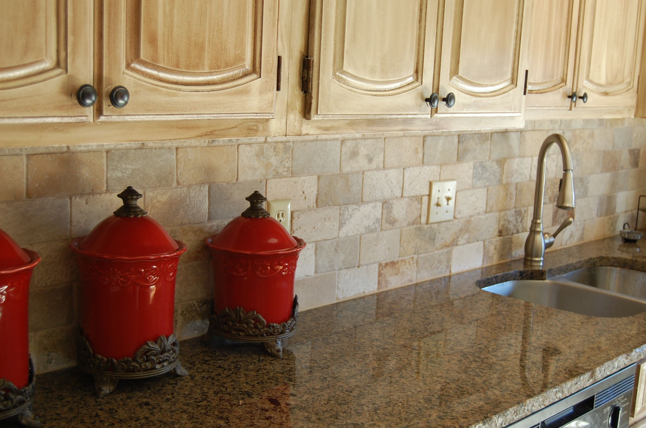 Lovely Tropic Brown Granite Backsplash Ideas Part - 5: Tropical Brown Granite With 3x6 Brick Pattern Back Splash