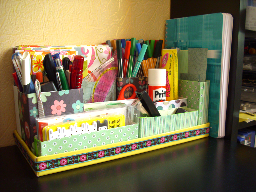 diy desk organizer desks tutorials and organizations. Black Bedroom Furniture Sets. Home Design Ideas
