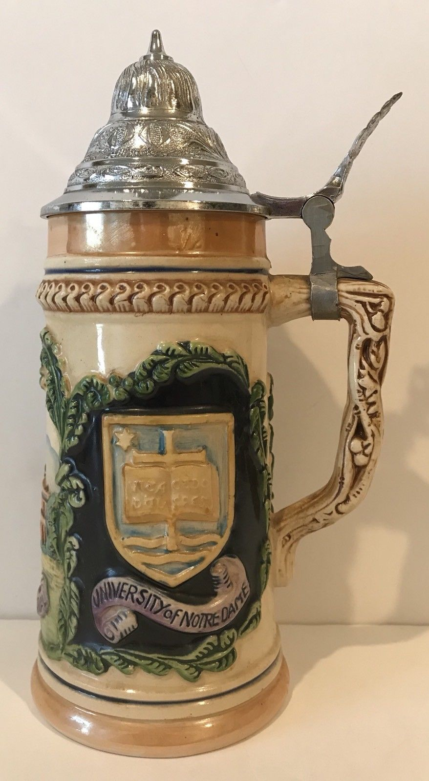 Vintage 1952 Eric P Mihan University Of Notre Dame Lidded Beer Stein Collectable Ebay Beer Steins Collectibles Vintage