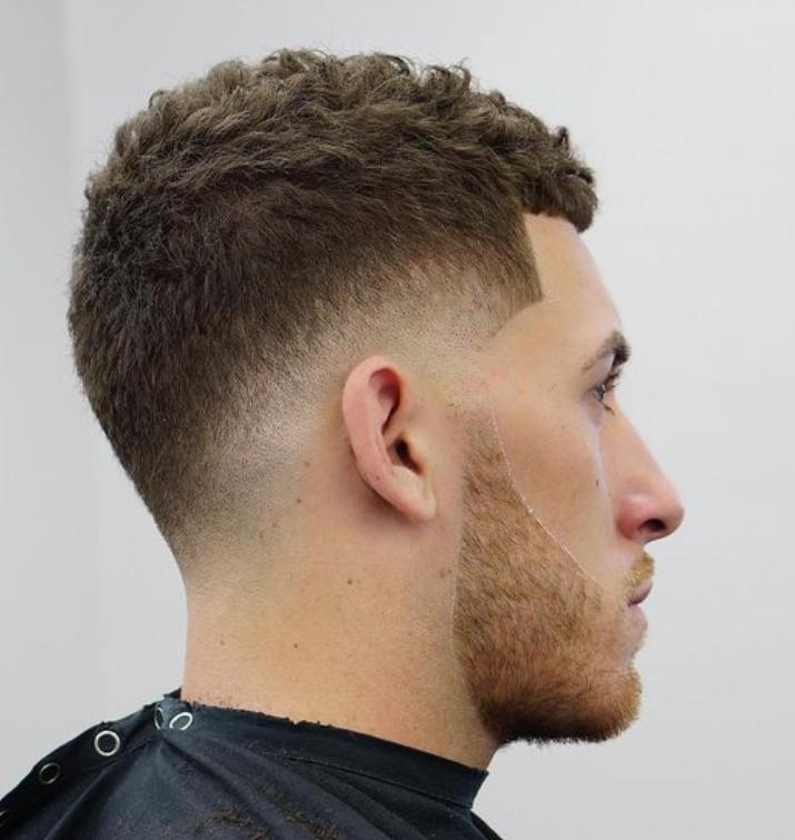 19 Besten Caesar Haircut Fur Manner 2018 Alles Fur Die Besten Frisuren Fade Haarschnitte Fur Herren Manner Kurzhaarschnitt Haarschnitt Ideen