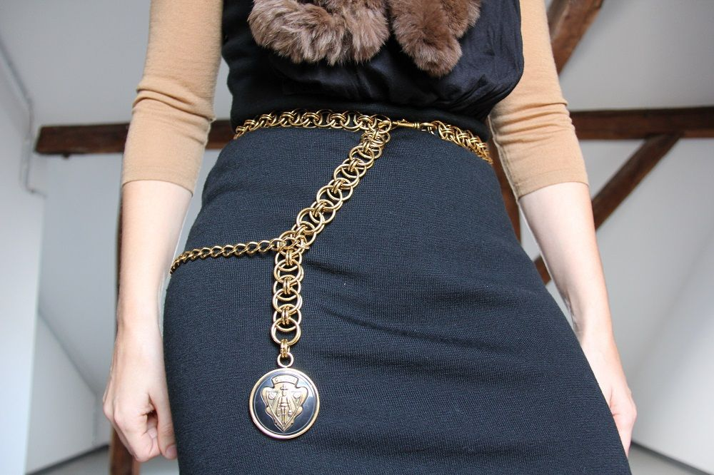 Combining a statement piece – a Gucci belt - Styled 24/7