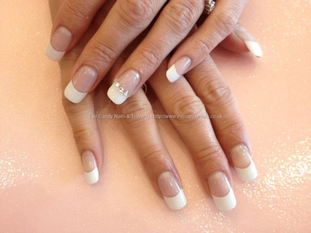 Full set if acrylic with Swarovski crystals on ring finger | Nueva ...