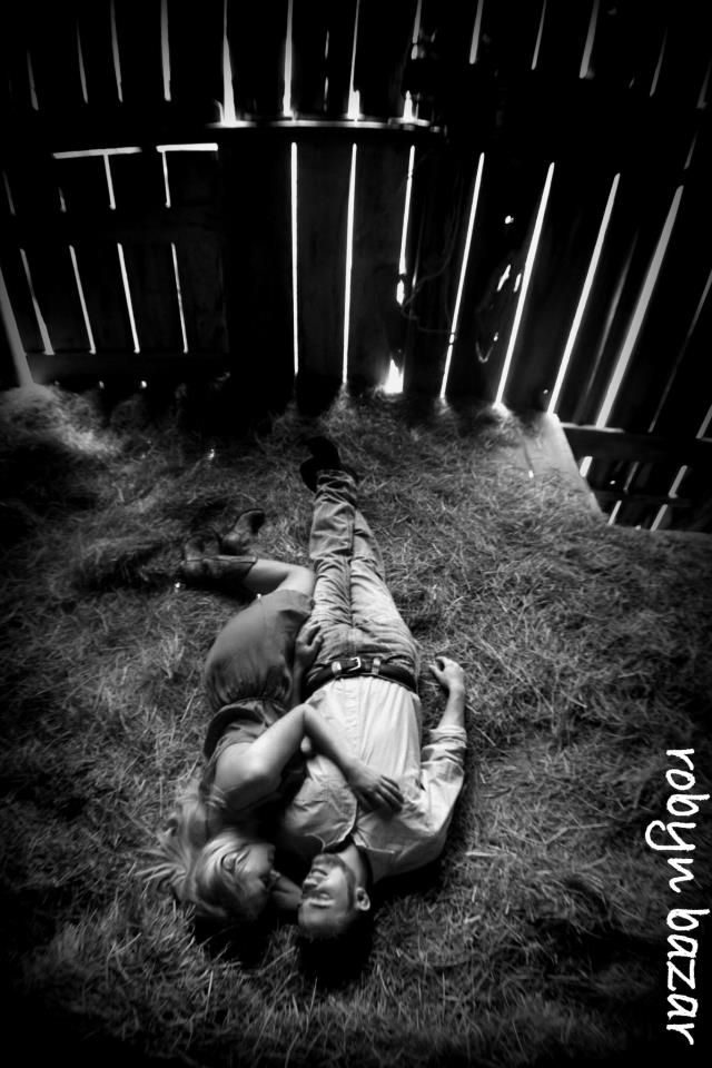 Country love | Country couple poses, Couples photography ...