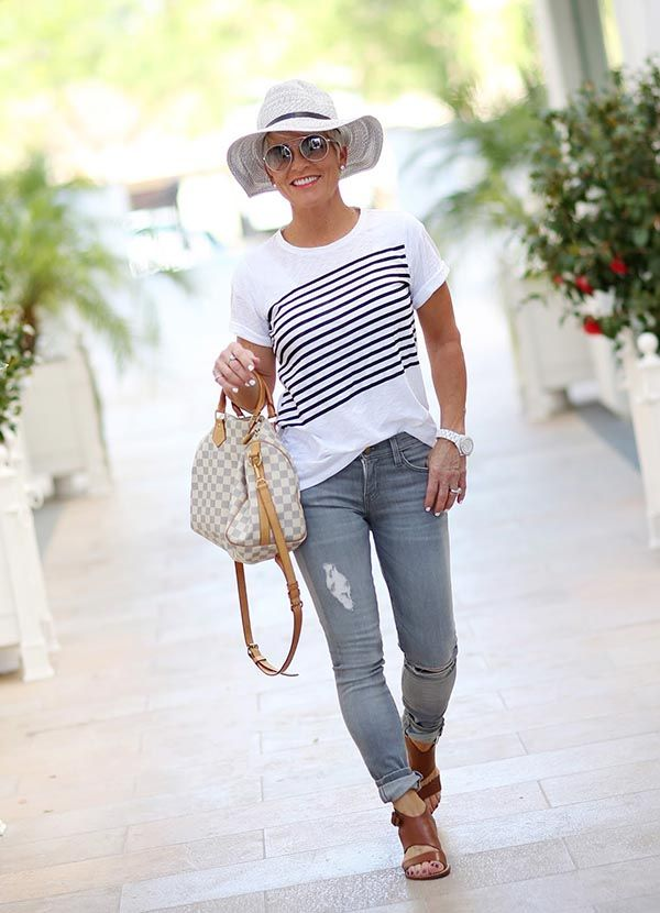 Impressive Fashion Outfits Women Over 30 Summer