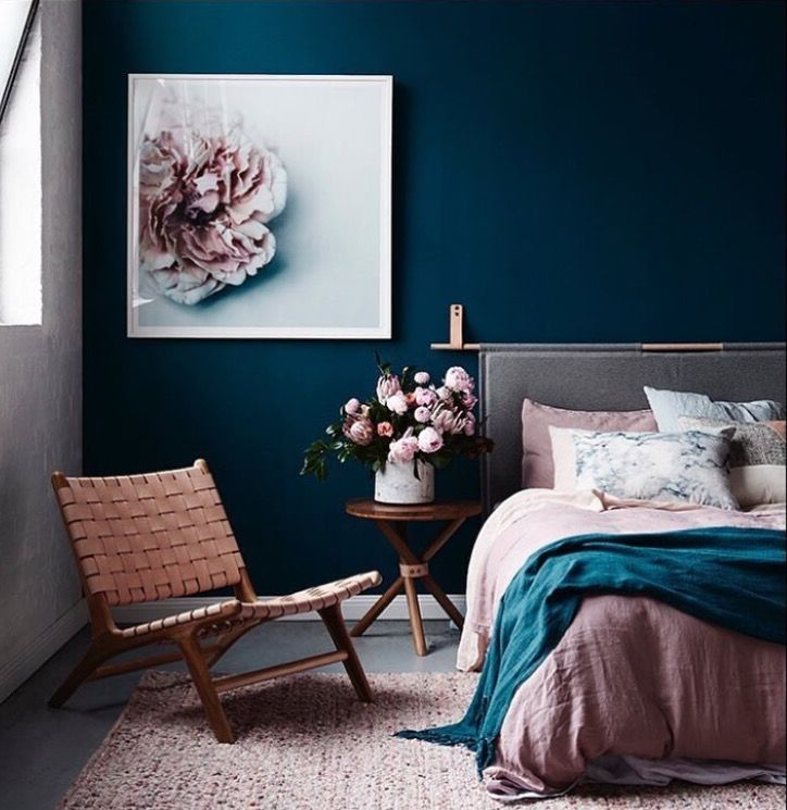 Navy Blush Never Ever Thought Of These Colors But They Are An Incredible Blend Bedroom Interior Bedroom Design House Interior