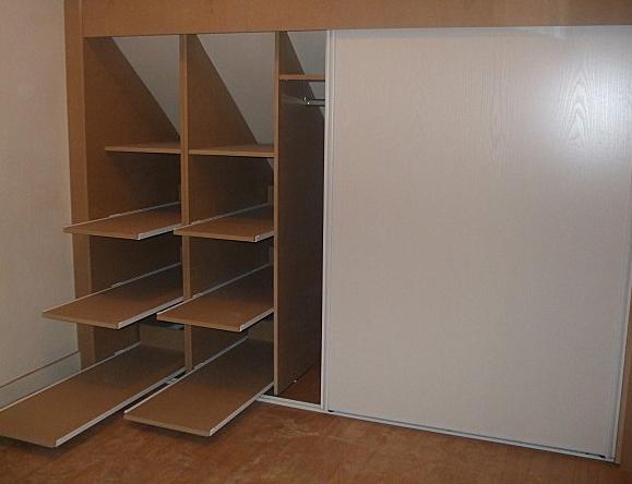 placard sous combles la muebler a placard sous comble. Black Bedroom Furniture Sets. Home Design Ideas