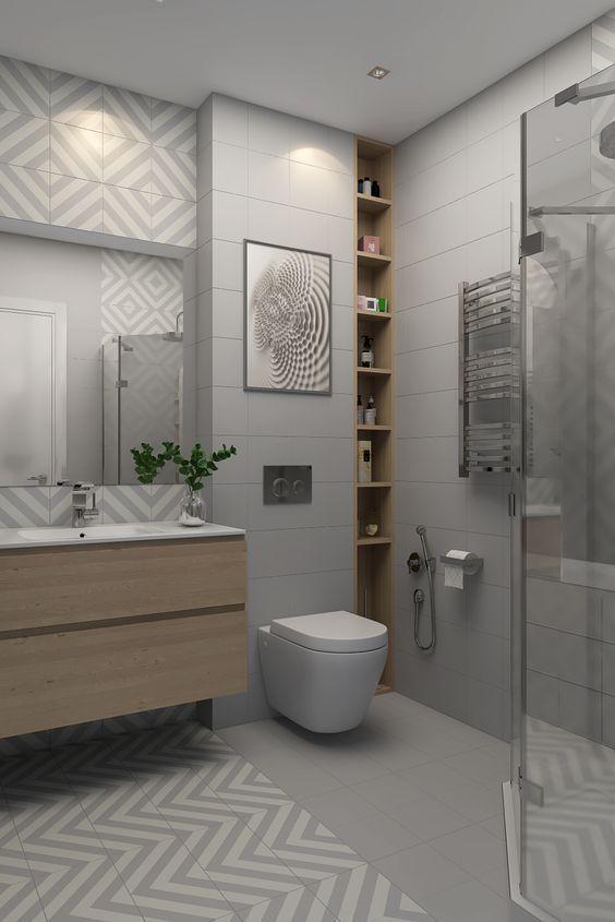 Das schmale Regal neben dem WC isr praktisch für ...