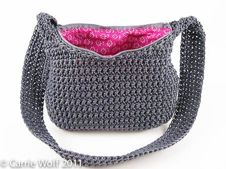 great tutorial on how to add a zipper and line a crochet bag ...