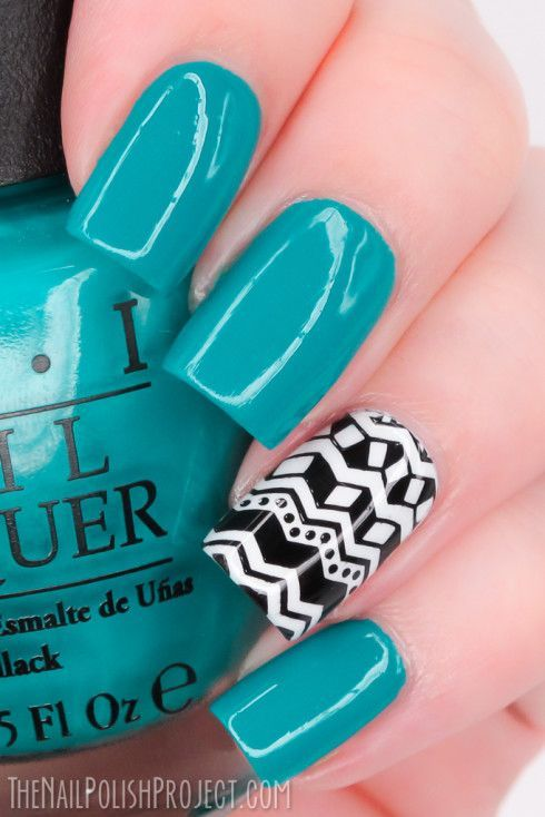nails -                                                      What Im Wearing Now: Tribal Accent Nail