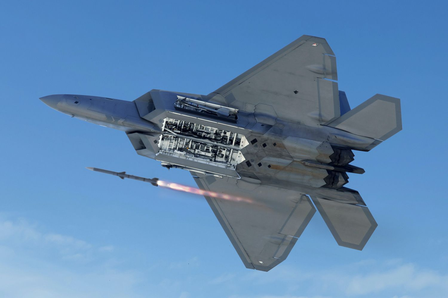The Hilarious And Totally Real Reason The F 22 Can T Be Hacked In 2020 Fighter Jets Fighter Aircraft Military Aircraft