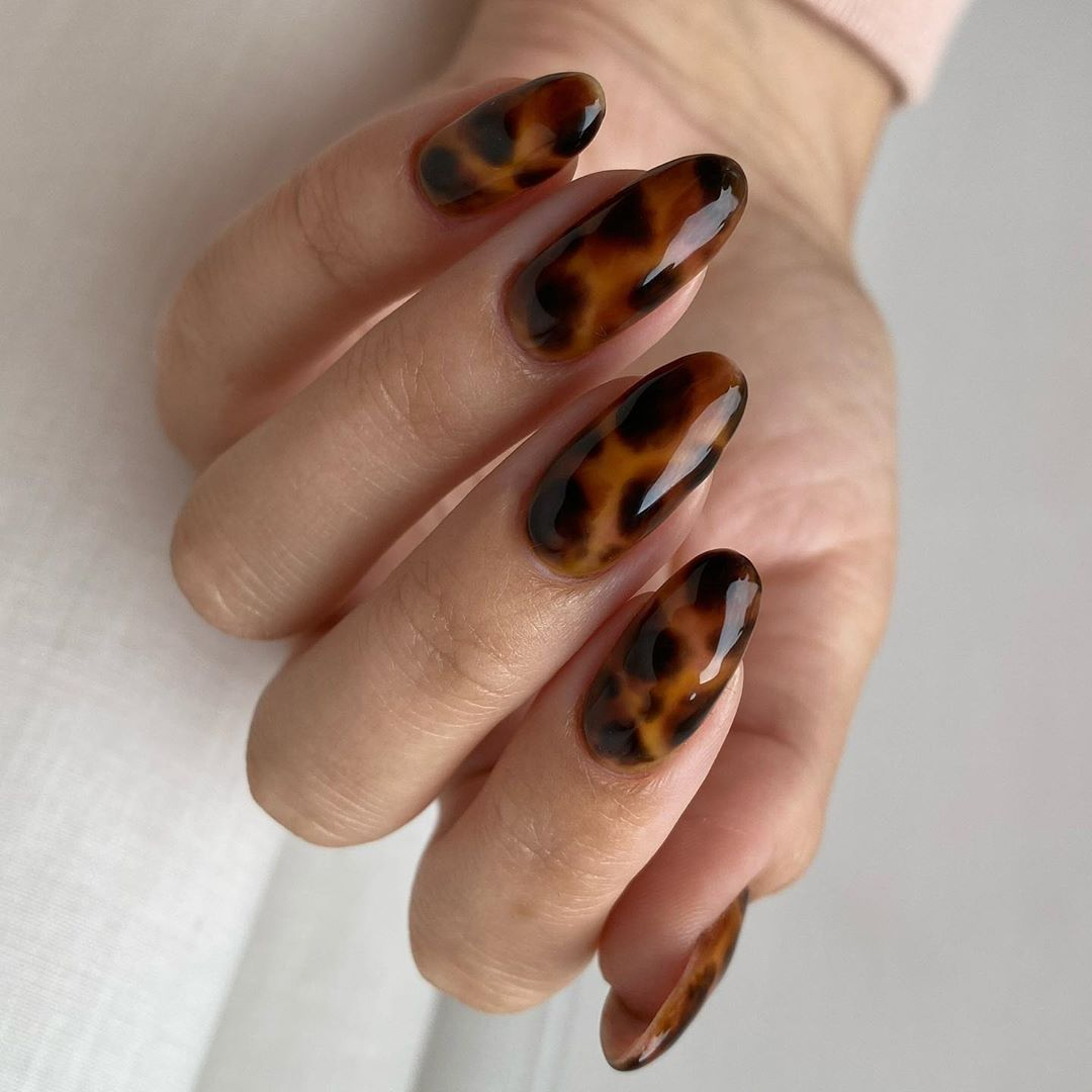 Tiffany Abbigaile Beauty On Instagram Tortoiseshell On My Natural Nails Using Everything From T In 2020 Natural Nail Designs Natural Nails Coffin Nails Designs