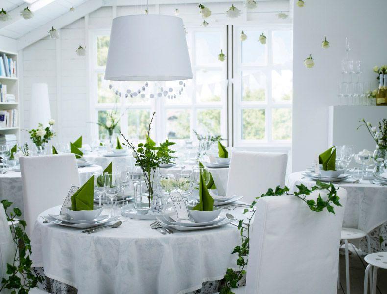 Festa di matrimonio con decorazioni e tavoli apparecchiati for Decorazioni tavoli matrimonio