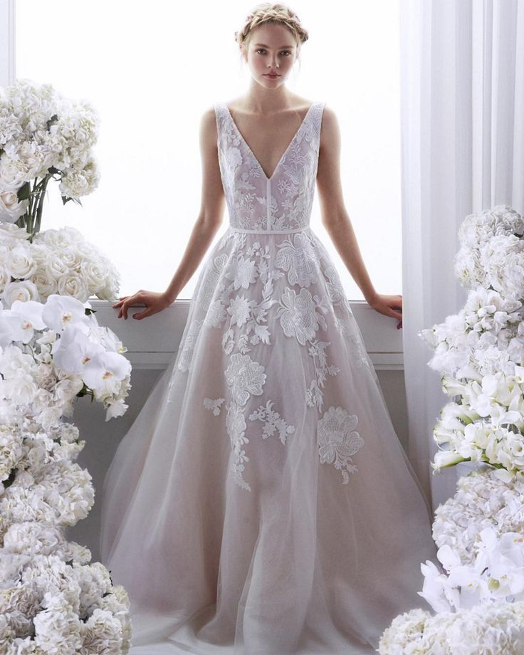 New In Store The Nashville Bridal Shop Welcomes Vineyard By Lela Rose