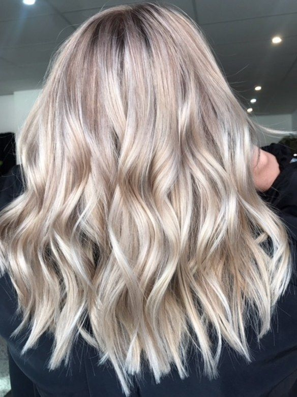 Champagne Bronde Blends Summer and Fall Hair-Color Trends #champagneblondehair