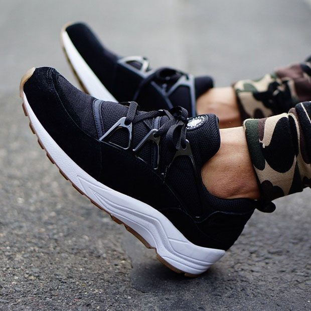 nike air huarache light black