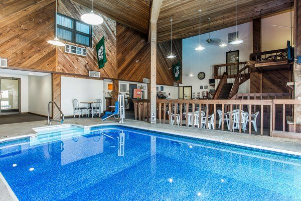 Affordable Pet Friendly Hotel In Maryville Missouri Red Roof Inn Mo