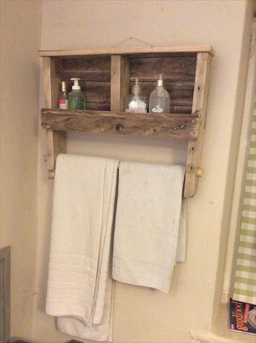Diy Towel Rack And Shelf Made From Pallet Diy Towel Rack Pallet Towel Rack Wooden Pallet Shelves