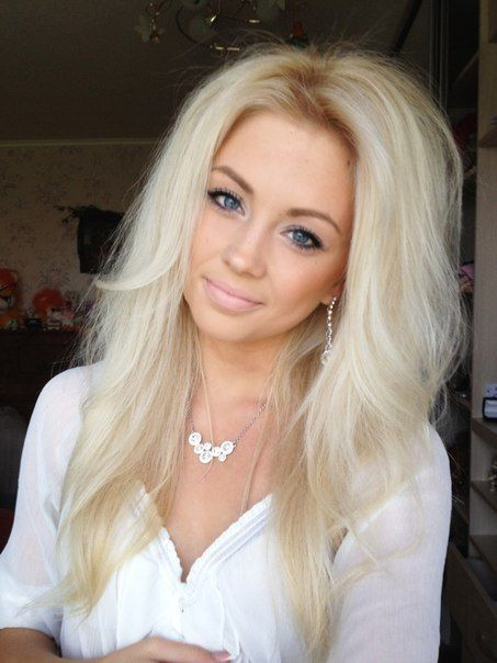 Pale Blonde Wish I Could Pull Off This Color Its Gorgeous