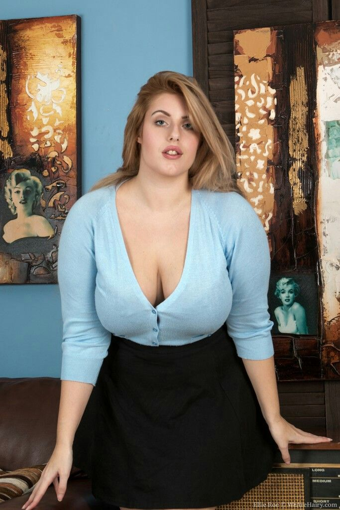 Full figured milf boobs