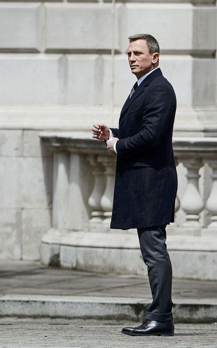 daniel craig filming spectre 007 pinterest stil und kleidung. Black Bedroom Furniture Sets. Home Design Ideas