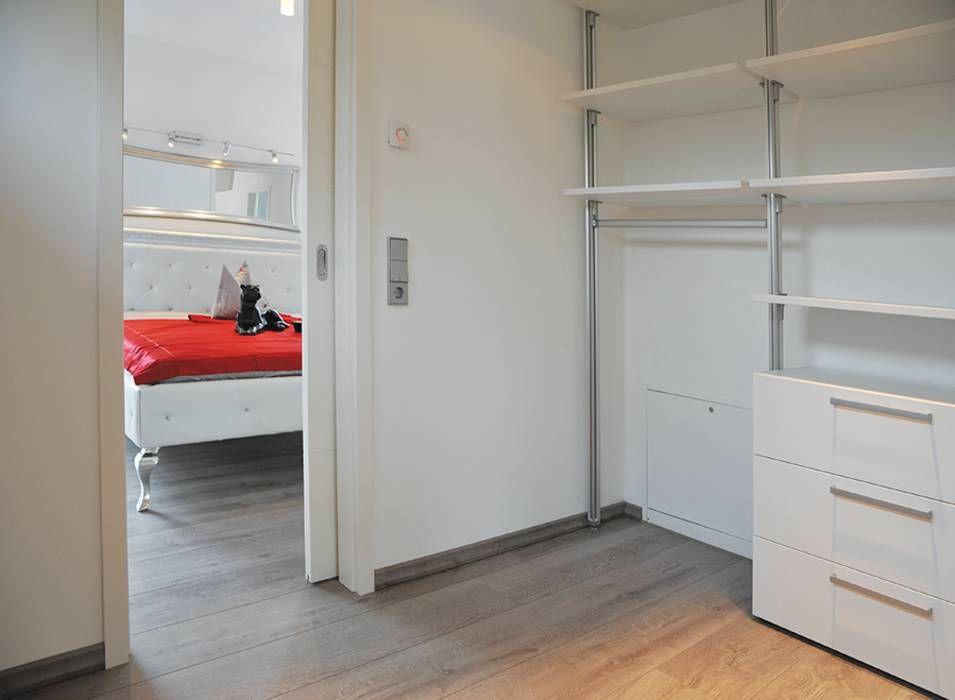 Haus Frankfurt Business: Moderne Ankleidezimmer Von STREIF Haus GmbH