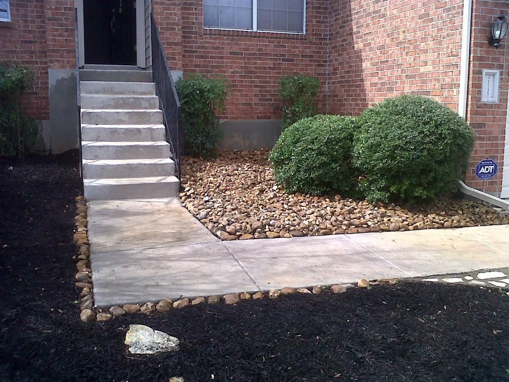 Pictures for miguel's lawn & tree service in San Antonio