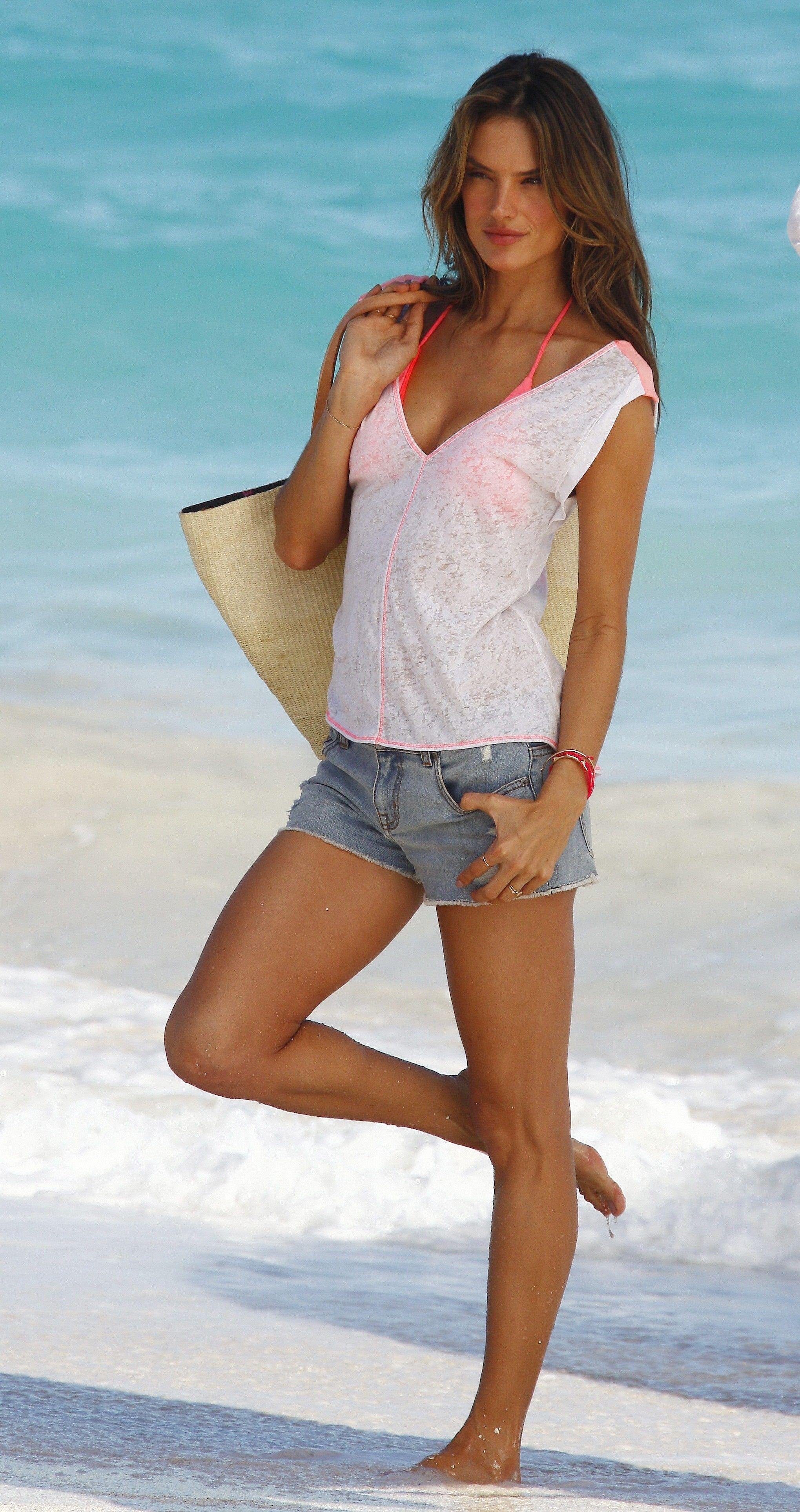 Nursdar: Alessandra Ambrosio - Victorias Secret