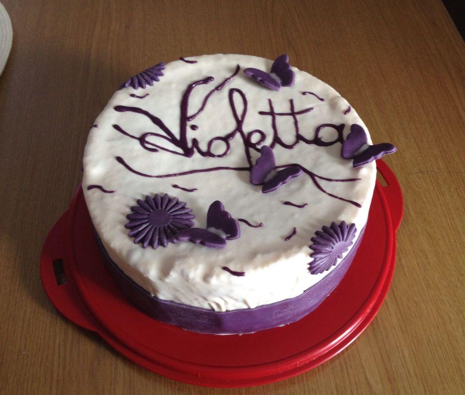 violetta torte arbeiten mit fondant pinterest violetta torte geburtstagspartys und fondant. Black Bedroom Furniture Sets. Home Design Ideas