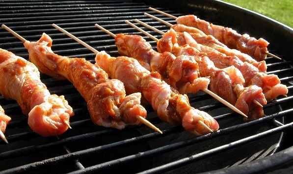 Spareribs På Gasgrill Hvor Længe : Twisted flæsk u2013 grill venner grill pinterest mad