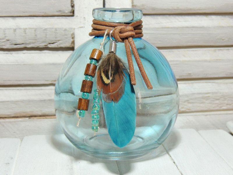 Vasen - Deko - FLASCHE - TÜRKIS - FEDER - LEDER - - ein Designerstück von Kunterbuntes-Perlenspiel bei DaWanda