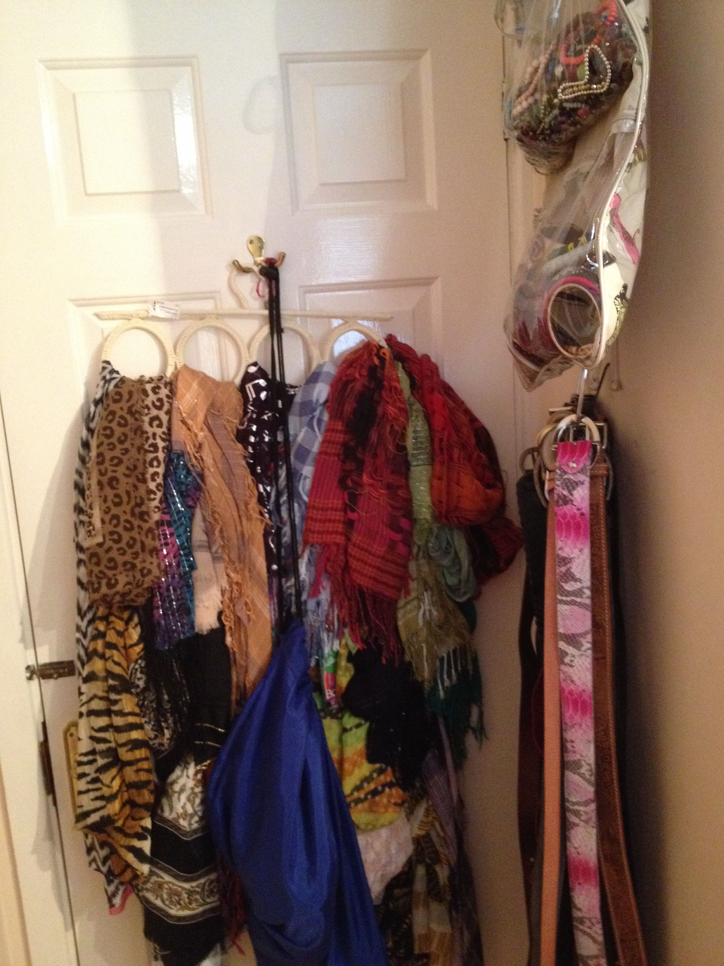 Bangles, belts and scarf storage