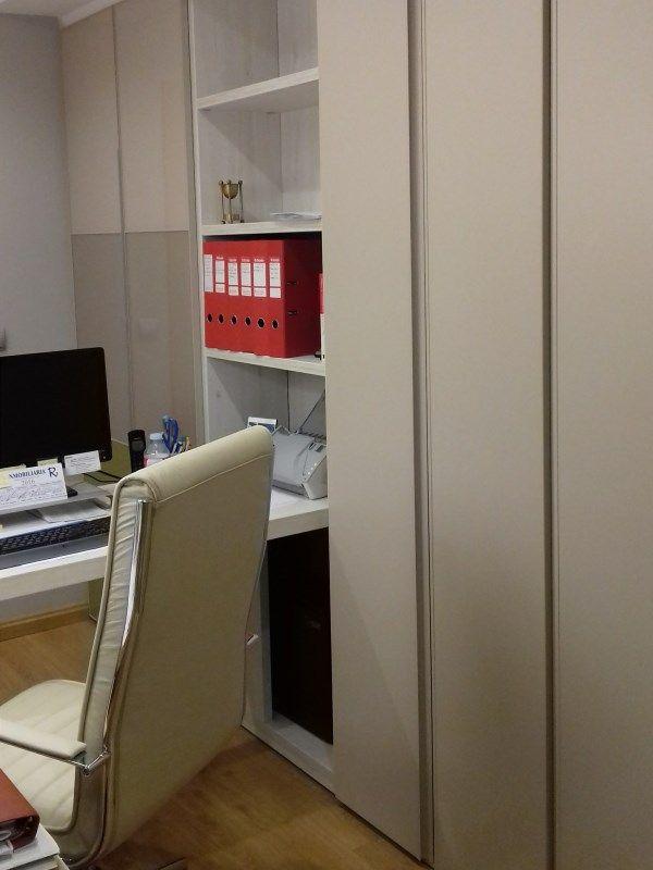 Proyecto decoraci n oficinas armarios a medida sillas de for Armarios para despachos