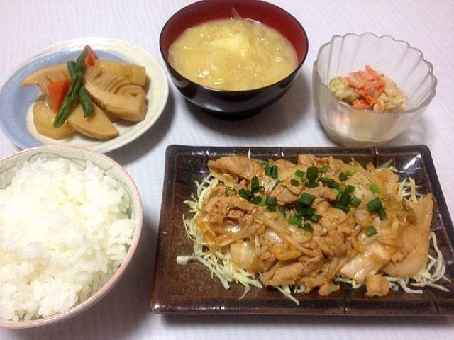 ・豚キムチ ・筍 大根 人参の煮物 ・白菜と人参の簡単サラダ ・じゃがいもと玉ねぎのお味噌汁 ・ご飯 - 21件のもぐもぐ - 豚キムチ by もも