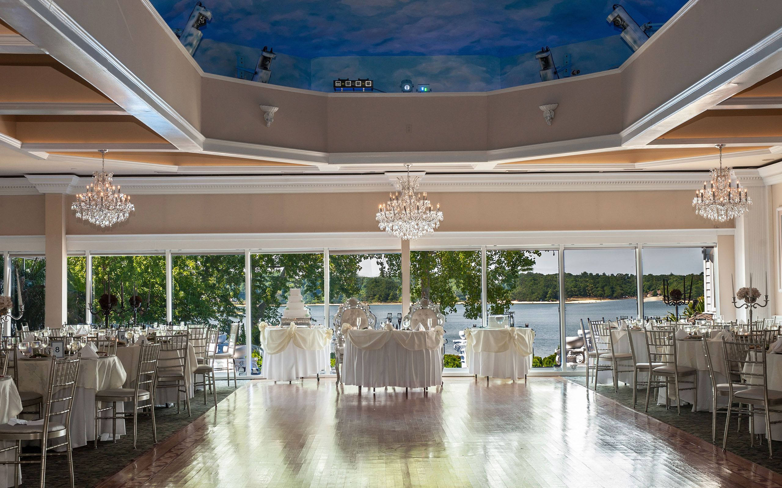 Looking For An Amazing Waterfront Wedding Venue Look No Further Windows On The Lake I In 2020 Wedding Venues Long Island Long Island Wedding Waterfront Wedding Venue