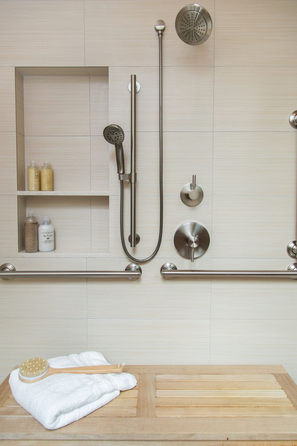 BEFORE & AFTER: An Accessible Master Bathroom Is Created Using ...