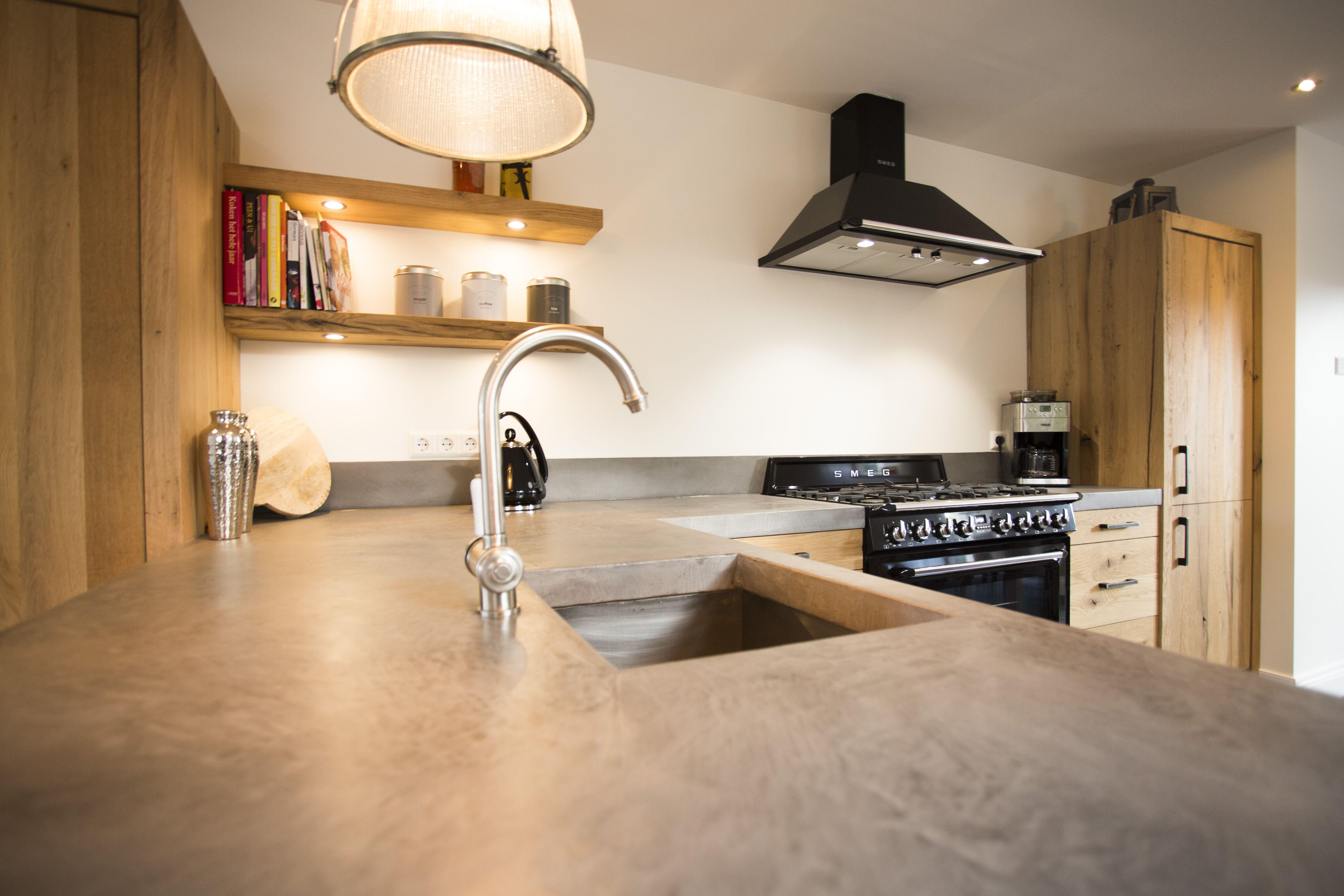 Keukenblad in beal mortex gemaakt door vloer zo interieur zo