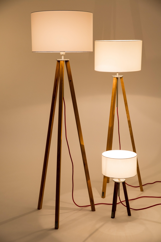 Stehlampen Aus Holz Und Edelstahl Mit Textil Lampenschirm