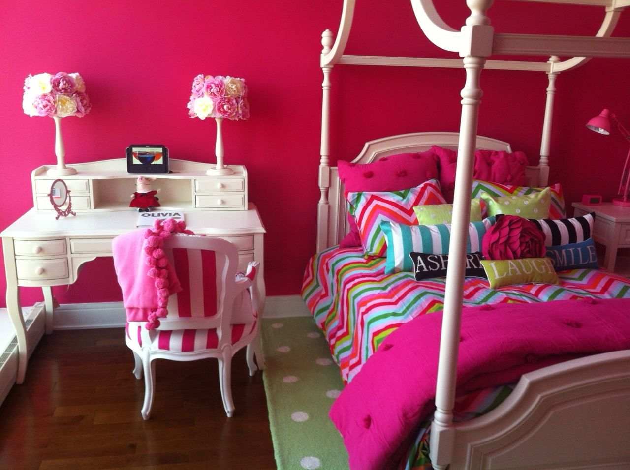 My Daughters Bedroom Pottery Barn Teen Bed And Desk Bedding From - Pottery barn teenagers