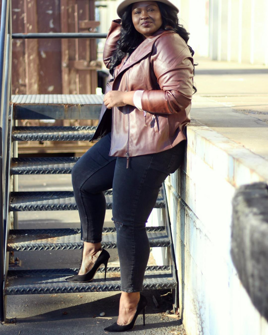 Plus Size Brown Leather Jacket Outfit plussize Fashion