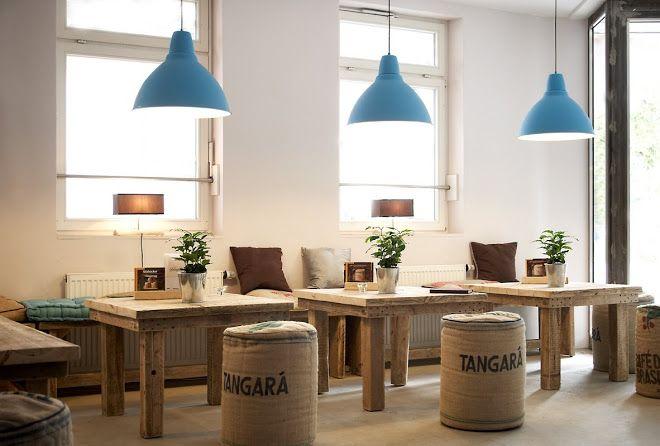 torrefaktum kaffeer sterei hamburg ottensen cafe kaffeer sterei note bench caf idee. Black Bedroom Furniture Sets. Home Design Ideas