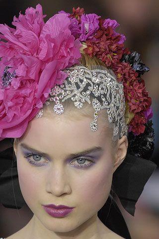 Christian Lacroix Fashion show details