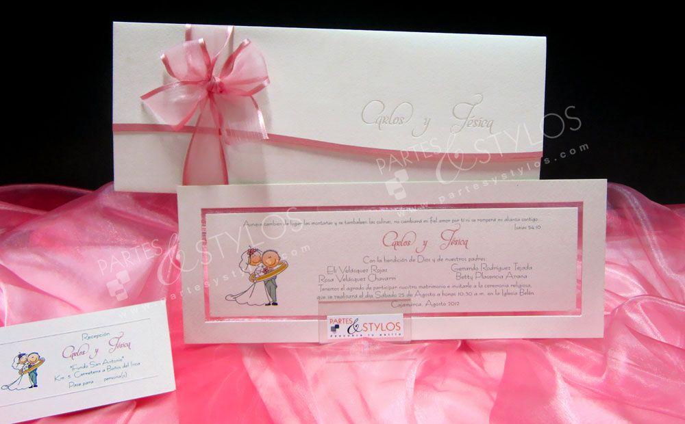Una #invitación de #boda tipo envoltura,  decorada con un lazo de organza.